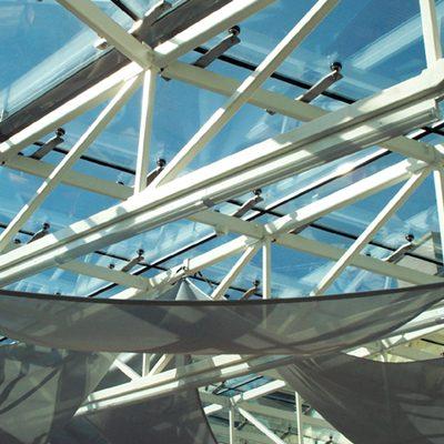 Plafond de verre déco fixé par photosoudure